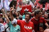 Fernando Haddad em evento de campanha na Rocinha, no Rio de Janeiro
