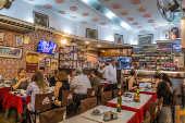 Restaurante Nova Capela, famoso pela canja e pelo cabrito, na Lapa, no centro do Rio, desde 1903