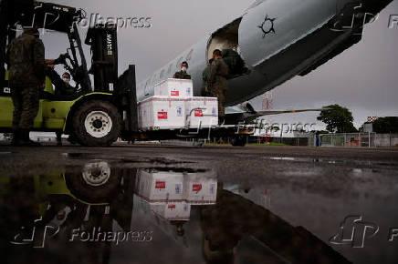 Vacinas contra Covid-19 partem de Manaus com destino à Tabatinga (AM)