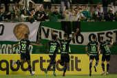 Jogadores da Chapecoense comemoram gol de Aylon contra o Corinthians