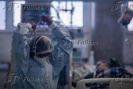 Equipe médica do Instituto de Infectologia Emílio Ribas