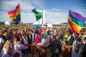 Cerimônia de casamento coletivo entre pessoas do mesmo sexo