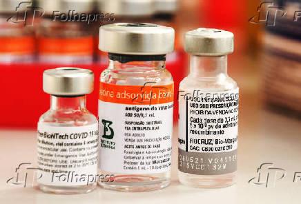 Frascos das vacinas contra a Covid-19