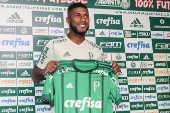 Weverton e Emerson Santos são apresentados pelo Palmeiras
