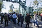 Mexicanos entram na residência presidencial Los Pinos, na Cidade do México