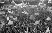 Eleições Diretas Já, 1984: vista aérea da multidão concentrada na Praça da Sé