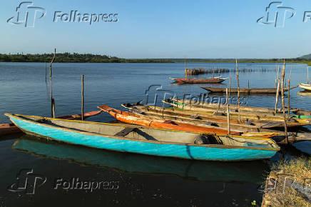 Embarcações nas águas do Rio Paraguaçu, na região do distrito de Santiago do Iguape