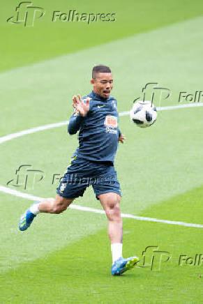 Gabriel Jesus durante treino da seleção brasileira