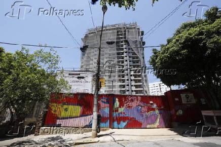 Obra da construtora Esser na rua Pandiá Calógera