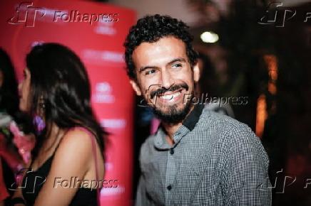 6d538b140 Folhapress - Fotos - Felipe Cordeiro na festa do projeto