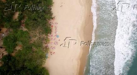 Vista aérea da praia do Felix, em Ubatuba