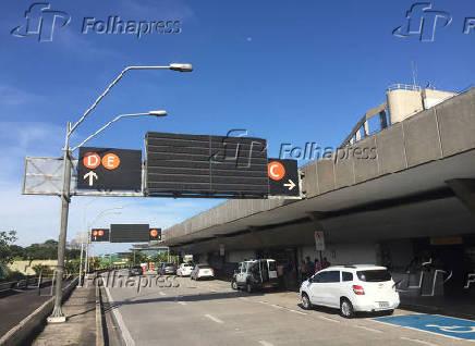 Painéis apagados no aeroporto internacional, em Guarulhos (Grande SP)