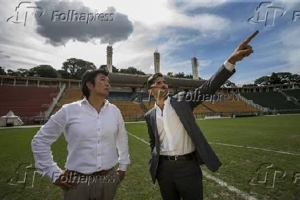 Akio Aoki, sócio da Galleria Continua, e Eduardo Barella, diretor do consórcio que fará a reforma do Pacaembu