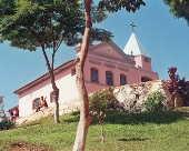 Igreja no bairro do Pião em Piracaia.