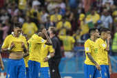 Jogadores lamentam eliminação seleção brasileira
