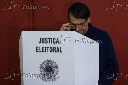 Jair Bolsonaro (PSL), durante sua votação em um colégio militar no Rio