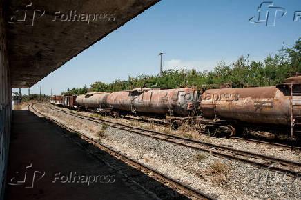 Antigos vagões de transporte de carga da Rede Ferroviária Federal