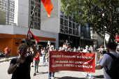 Professores e alunos fazem protesto em SP