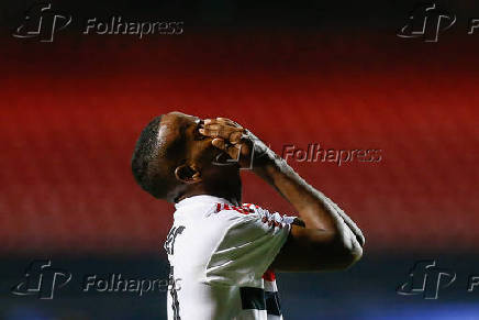 Helinho, jogador do São Paulo