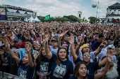 Fiéis durante assistem show durante a 27° edição Marcha para Jesus 2019