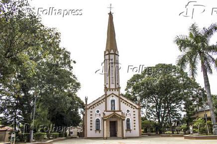 Igreja Matriz Senhor Bom Jesus, Arco-Íris - SP