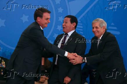 Bolsonaro durante cerimônia de cumprimentos aos oficiais-generais recém-promovidos