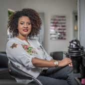 A empresária e cabeleireira Julyana Carvalho dos Santos