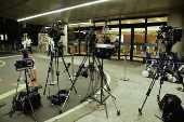 Câmeras apontadas para entrada do Hospital Albert Einstein, em São Paulo