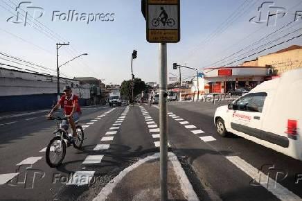 Ciclovia na avenida George Corbisier, no Jabaquara, na zona sul da capital paulista