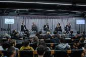 Debate no auditório Folha