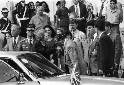 Paulo Maluf, beija mão de Margaret