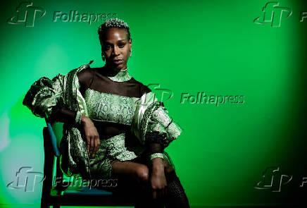 Retrato da cantora Karol Conka