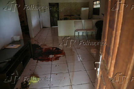 Interior da casa do sítio em que o miliciano Adriano da Nóbrega foi morto