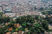 Vista aérea da divisa entre Paraisópolis e Morumbi, em SP