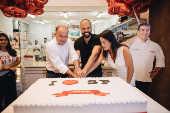 Bruno Covas (PSDB) com Marcos Kherlakian, sócio da doceria Carlo's Bakery
