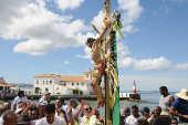 A imagem do Senhor do Bonfim é conduzida durante a festa do Bonfim