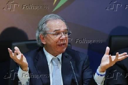 O ministro da Economia, Paulo Guedes, concede coletiva de imprensa