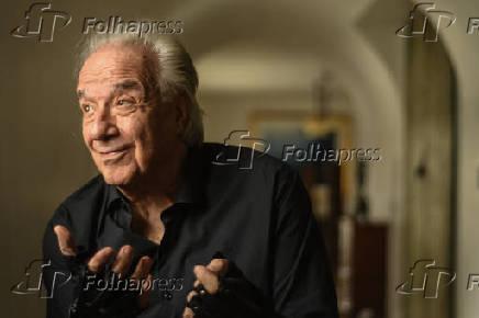 Maestro João Carlos Martins lança campanha de conscientização de distonia focal