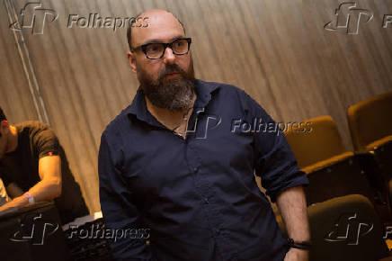 84fc0afff Folhapress - Fotos - Felipe Hirsch no musical Rio Mais Brasil