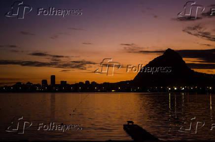 Lagoa Rodrigo de Freitas, localizada na zona sul da cidade do Rio de Janeiro
