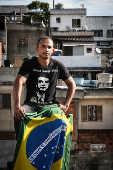 Douglas Garcia, 24, fundador do Direita SP, na laje de casa