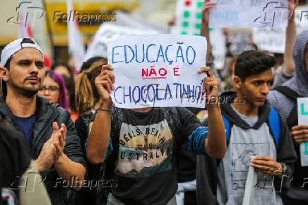 Dia de protestos contra cortes na Educação.