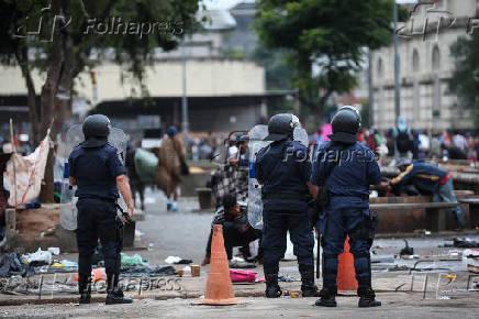 Operação de forças de segurança na cracolândia, em São Paulo