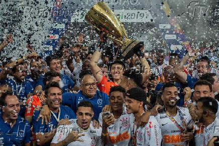 Jogadores do Corinthians comemoram o título do Campeonato Paulista 2019