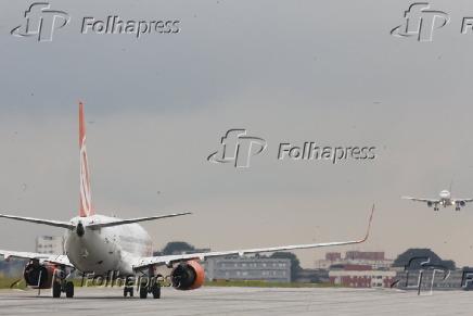 Aviões no aeroporto de Congonhas