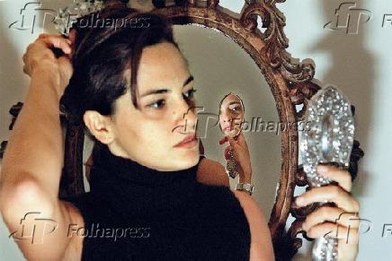 A designer de jóias Paola Ladeira com