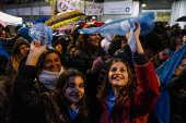 Manifestantes contra a legalização do aborto na Argentina