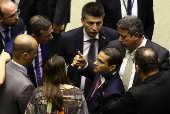 Deputado Arthur Lira, (PI), líder do PP na Câmara, conversa com o líder do governo, deputado Major Vitor Hugo (PSL-GO)