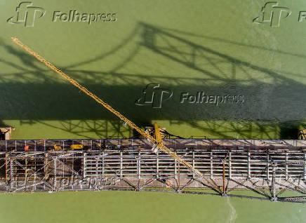 Vista aérea da Ponte Hercílio Luz