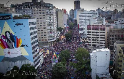 Imagem de drone mostra paraga gay em Sao Paulo